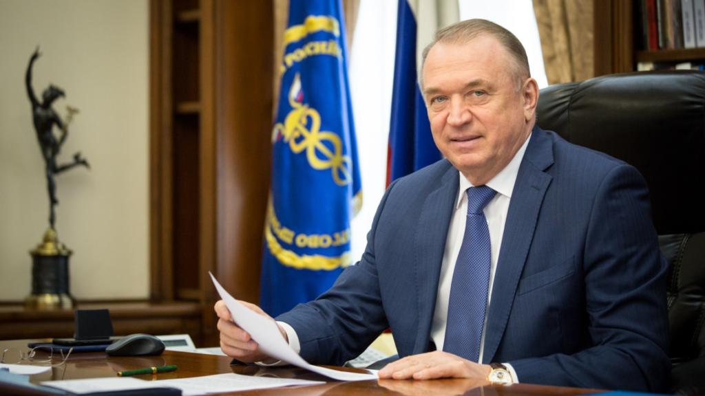 Председатель РИДС О.И. Бабаев поздравляет С.Н. Катырина с переизбранием на пост президента ТПП России!